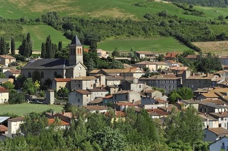 Village de St Georges de Luzençon